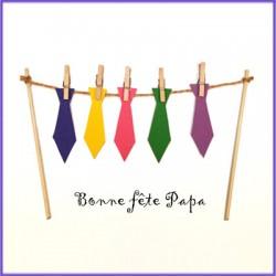 Carte avec des cravates pour la fête des pères