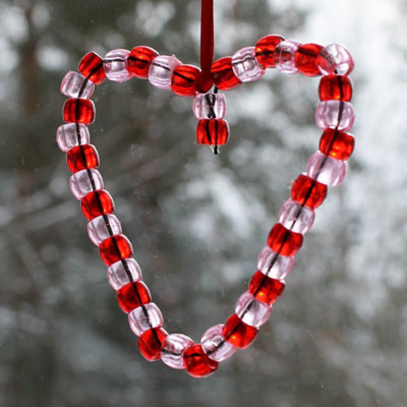 bricolage avec des perles pour la st valentin. Black Bedroom Furniture Sets. Home Design Ideas